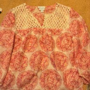 Quarter sleeve blouse